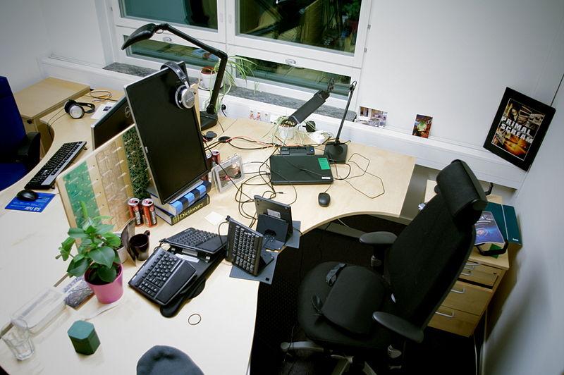 Computer-desk-setup